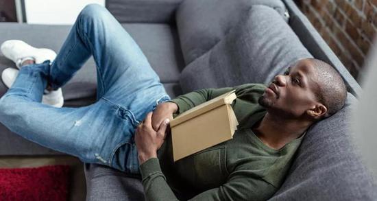 大脑可能利用停机休息时间来巩固新学到的知识。