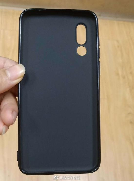 魅族16s手机壳(图取自微博)