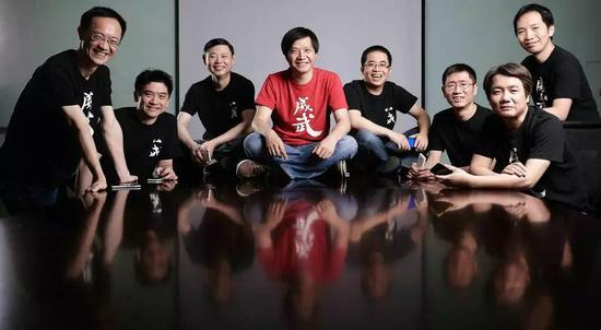 小米创始团队全家福:左2为负责米聊的联合创始人黄江吉