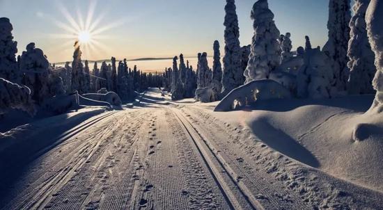 在遮盖积雪的新造车赛道,仍有新的机会来源:Pexels