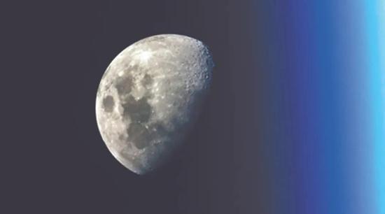 给宇航员的好消息:月亮上的水比想象中多