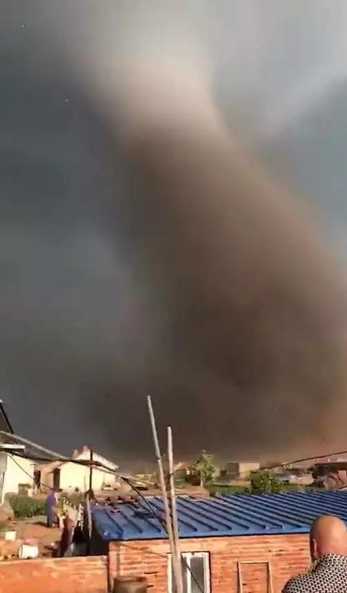 龙卷风能被预报出来吗?通过物理方程可以预报吗?