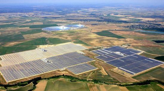 位于西班牙的一座太阳能发电站 |abengoa.com