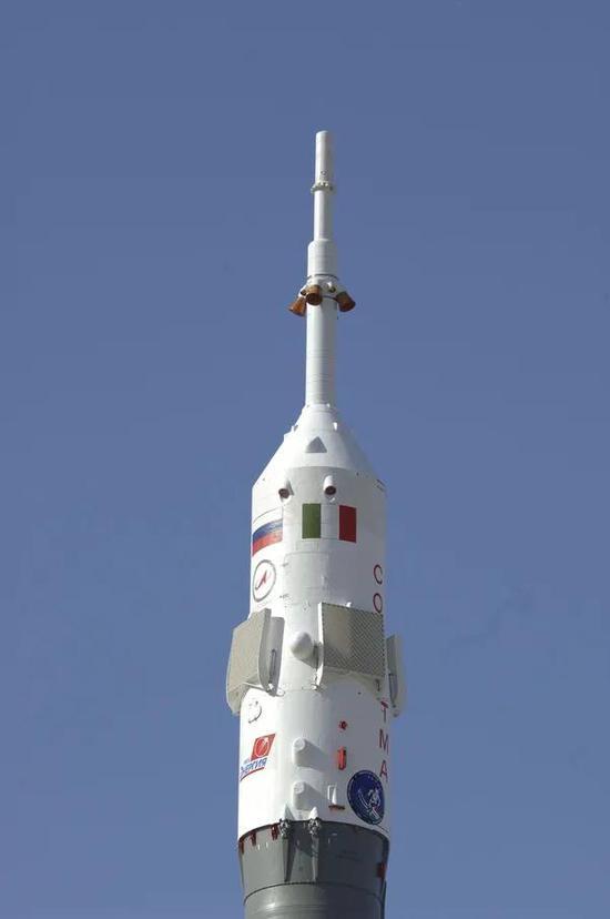 安装在联盟火箭上的逃逸塔