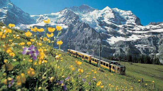 瑞士少女峰及少女峰著名的齿轮铁路
