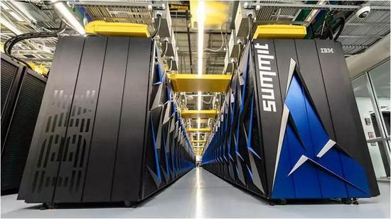 """橡树林国家实验室在6月公布了它的""""顶峰""""超级计算机,这是现活着界上最快的超级计算机。图片来源:橡树林国家实验室"""