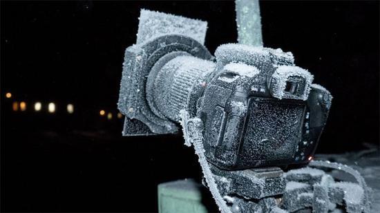 專業相機非常耐凍,實際上比攝影師的肉體凡胎更抗凍(圖片:Anthony Powell)