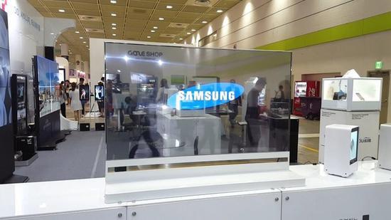 除了Google Assistant,透明面板的机种也可能成为三星在CES的展项