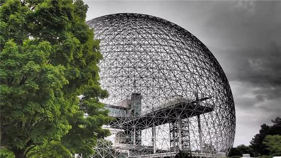 生物圈2号的实验场所,来源:公有领域