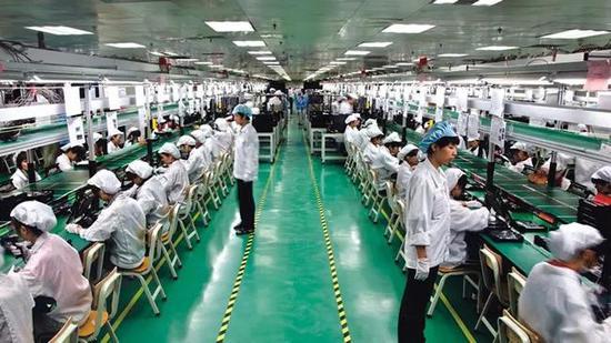 富士康工厂车间内景,2011年