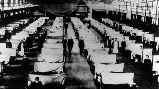 ▲1918 年西班牙流感肆虐时的隔离病房