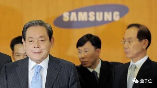 被与乔布斯相提并论,他把一个韩国山寨家电厂打造为全球电子巨头