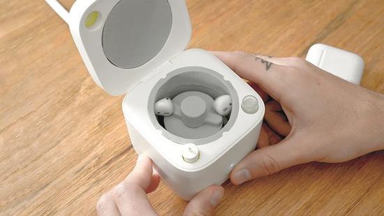 """耳机变脏了?国外厂商推出""""洗 AirPods 机"""""""