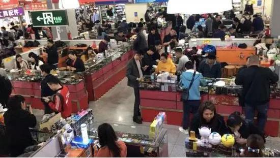深圳华强北手机市场