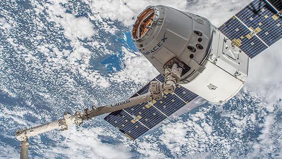 马斯克的SpaceX裁员577人 公司面临艰难挑战