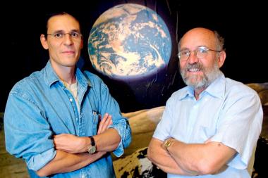 马约尔(右)与奎洛兹图源:AP
