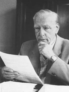 德国物理学家恩斯特·鲁斯卡。