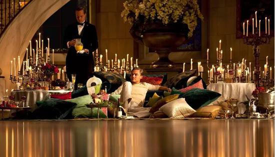 《了不起的盖茨比》|富豪盖茨比的孤独