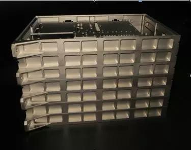 嫦娥四号用镁质航天器部件导电涂层展示(图片来源:作者提供)