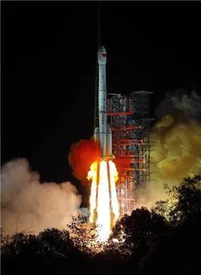 长征3号乙改型(CZ-3B)运载火箭搭载嫦娥4号发射起飞。来源:新华网