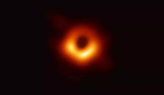 第一张黑洞照片,5500万光年外的梅西耶87(M87)