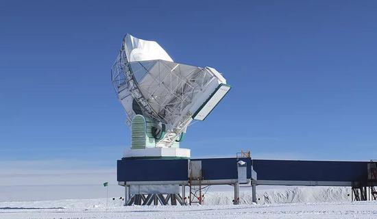 南极射电望远镜(来源:Dan Marrone)