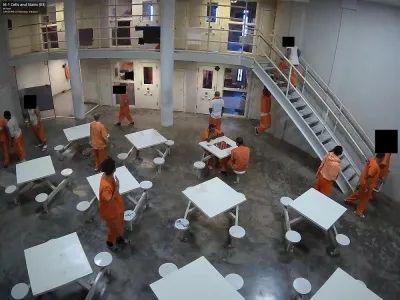 ▲Verkada摄像头下的麦迪逊县监狱(来源:彭博社)