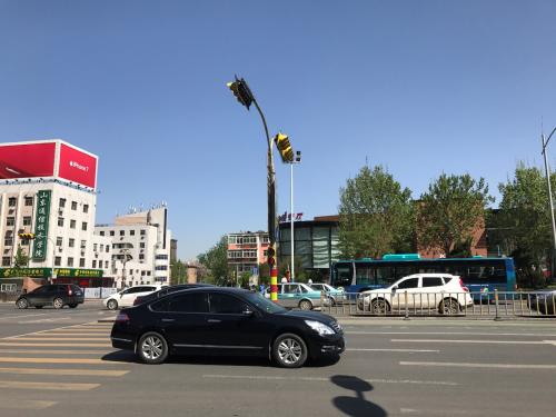 通过滴滴平台数据和技术团队优化的路口红绿灯已超过1300个