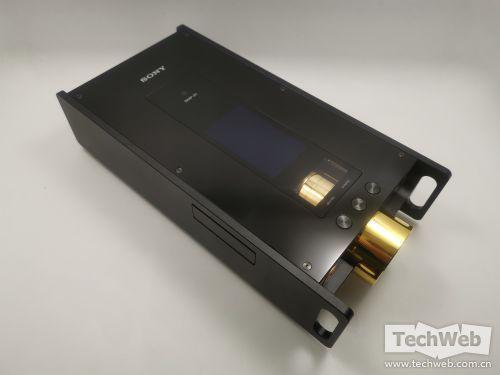 """索尼DMP-Z1音乐播放器:堆料堆到55000元 售价""""以一敌三"""""""