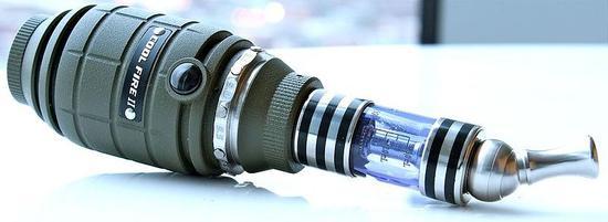 也有一些电子烟设计成特别的形状,如手榴弹。/Ecig Click