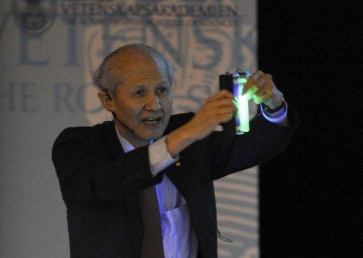 """▲2008年诺贝尔化学奖取得者下村修也曾说:""""我做研讨不是为了使用或其他任何利益,仅仅想弄了解水母为什么会发光。"""""""
