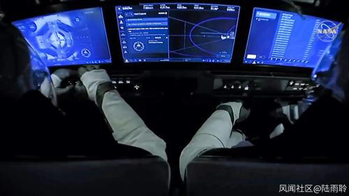 宇航员视角的手动驾驶系统