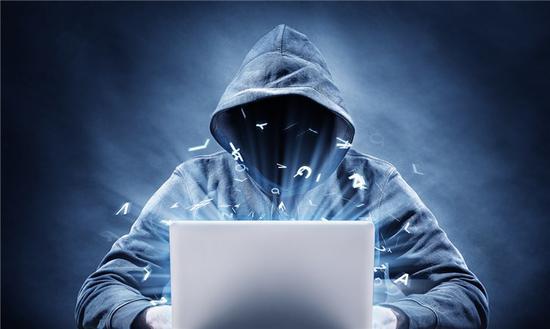 Zoom Mac版安全漏洞曝光,恶意网站可轻松劫持摄像头