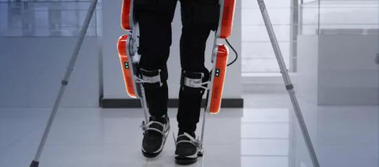 布法罗机器人的下肢外骨骼