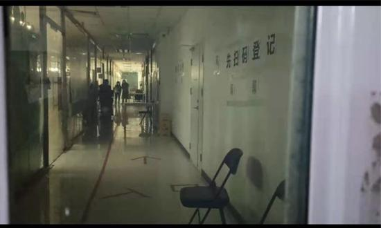 11月16日晚18时许,放工时间的蛋壳总部显得有些阴凉 来源:每经记者 王佳飞 摄