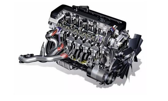 复杂的发动机结构