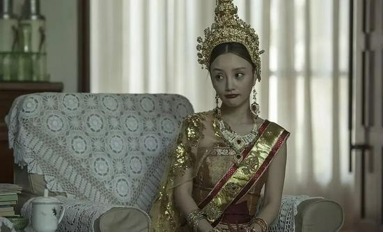 """李小璐被网友称为""""最想当网红的明星""""。/《私人定制》"""