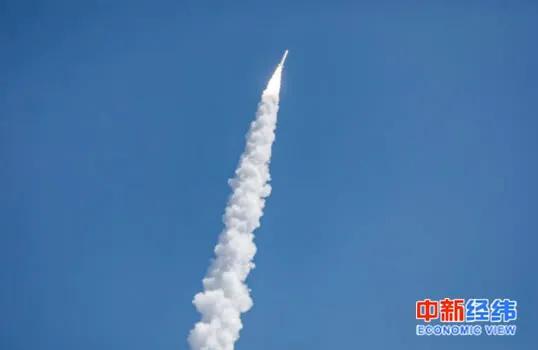 """▲""""双曲线一号遥一""""运载火箭发射升空"""