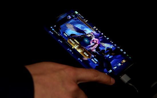 ↑OPPO Reno 5G版利用5G网络实现大型手游云端加载