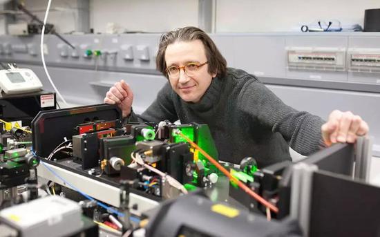 图丨德国乌尔姆大学物理学家费多·杰列兹科教授 (来源:Ulm Universit/Quanta )