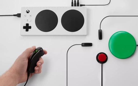 能让残疾人用轮椅控制器打游戏 新Xbox自适应控制器现世