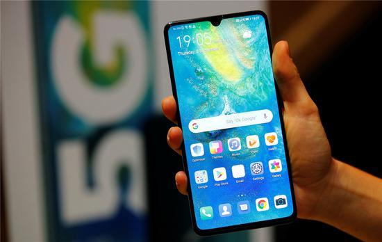 截止8月份我过市场5G手机出货量9368万部,占市场近五成