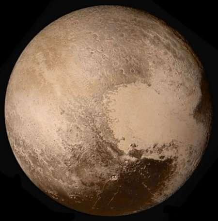 由新视野号拍摄到的冥王星真实色彩图片