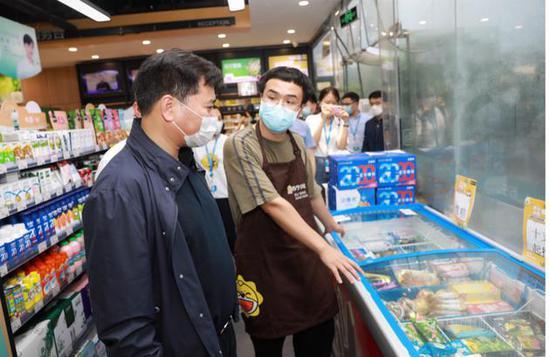张近东称苏宁要打长期价格战:大力发展苏宁小店,补贴不设上限