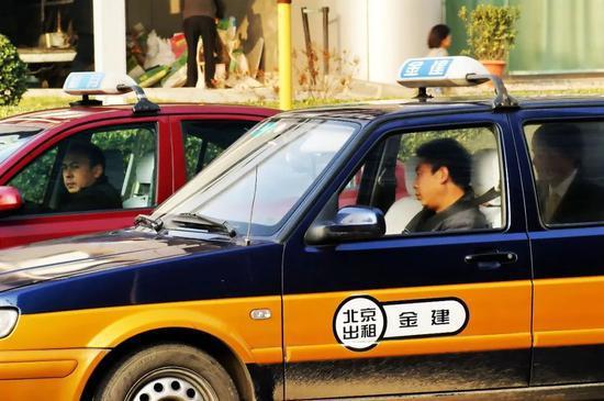 出租车风波再起:滴滴、嘀嗒、高德战争升级