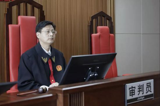 该案主审法官:广州互联网法院副院长侯向磊