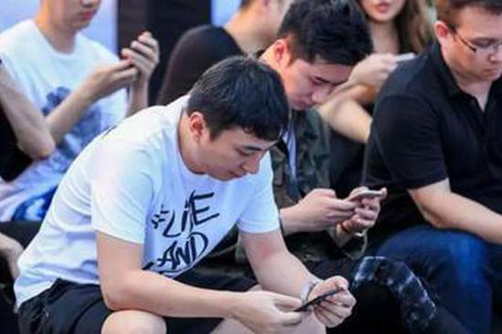 王思聪创业:生于万达,死于腾讯