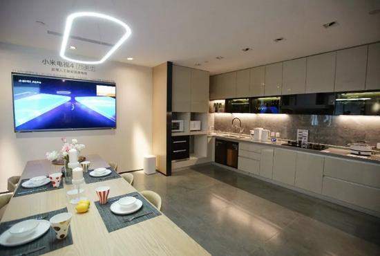 小米在大家電領域陸續推出了電視、空調、洗衣機和冰箱。攝影:鄧攀