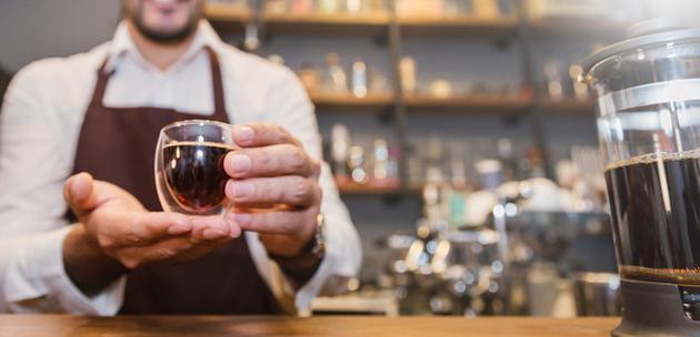 """钻研表现,那些很能品尝出咖啡苦味,稀奇是咖啡因稀奇苦味的人,学会了将这栽味道与""""好的东西相关首来"""",所以更喜欢喝咖啡。"""
