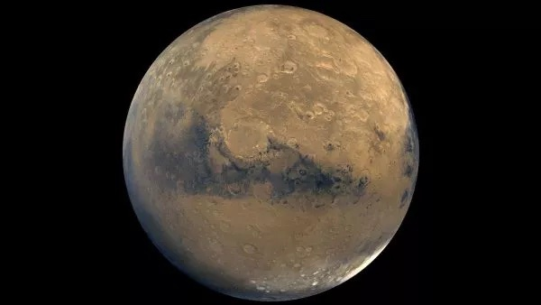 维京号轨道器拍摄的100张图像拼凑成的火星表面图片